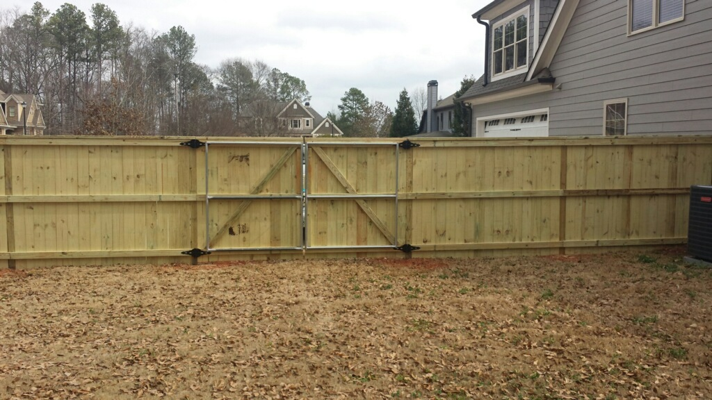 Double gate with metal frame