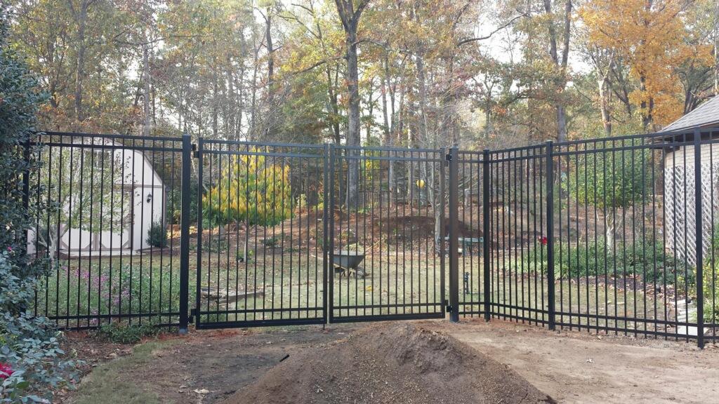 8' aluminum ornamental fence