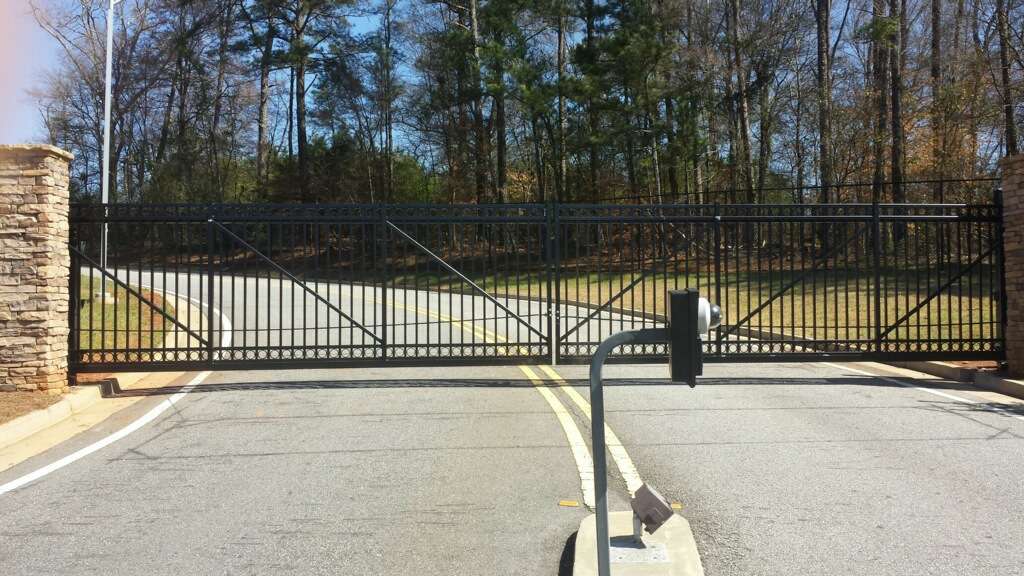 Cantilever 34' Industrial gate with operator